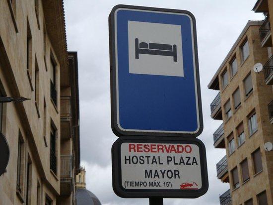 Hostal Plaza Mayor: Reservado para descargar maletas.