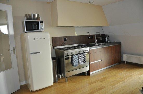 De Lastage Apartments: køkken