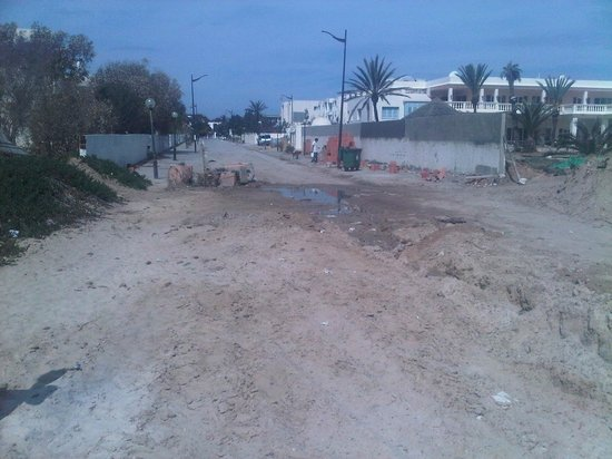 Medina Belisaire & Thalasso: Hotel at end of road