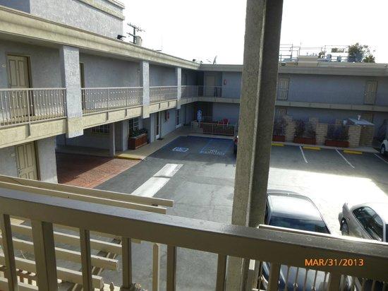 Ramada Marina Del Rey : From upper walkway looking into courtyard/parking area