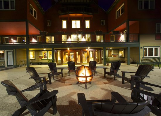 Grand Summit Resort Hotel: Come Relax by the Fire...