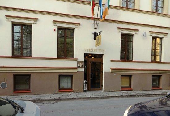 Hotel Tilto: Вход в отель