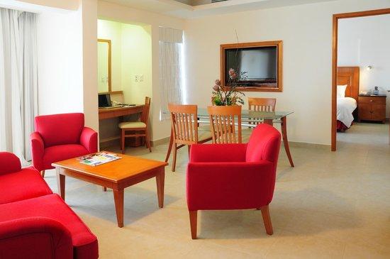Ambiance Suites: Master Suite