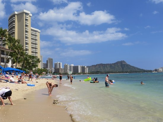 Outrigger Reef Waikiki Beach Resort: beach