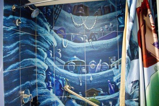 Disney's Art of Animation Resort: Shower