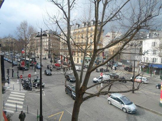 Hotel Plaza Elysees: Balcony View