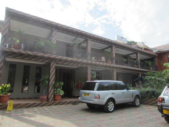 Lush Garden Hotel: Outside