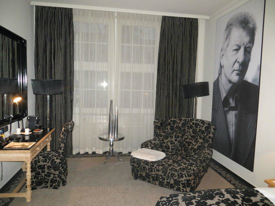 Stage 47: Our room, with Werner Schneyder portrait