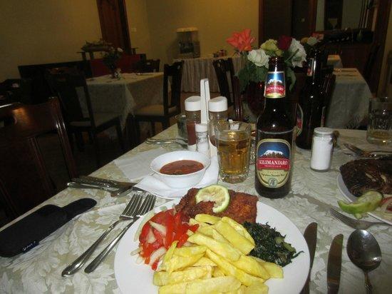 Lush Garden Hotel: Restaurant