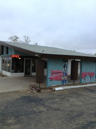 Motel Safari: Office & Pull Thru