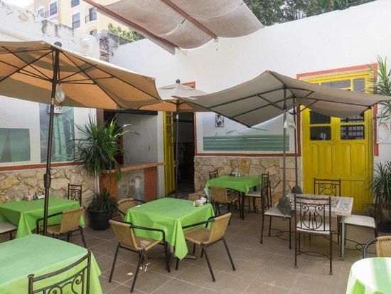 Cafe Club : Patio