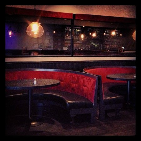 Broken Clock Gastropub : Upscale lounge seating