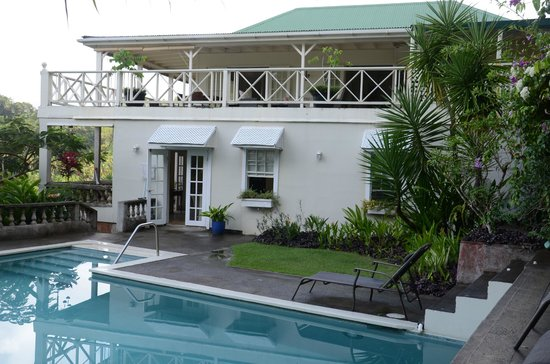 Beau Rive: Pool and main building (restaurant upstairs)
