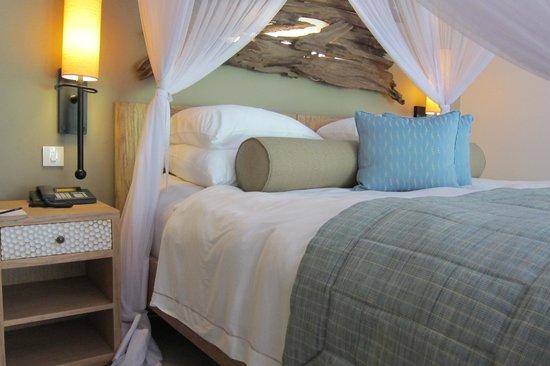 Kempinski Seychelles Resort : The bed