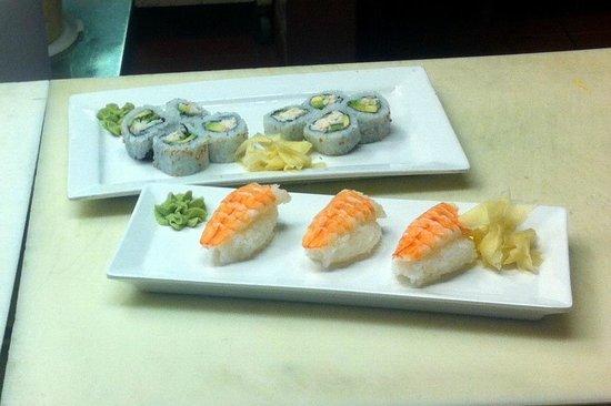 Eastwind Restaurant: Freshly made sushi