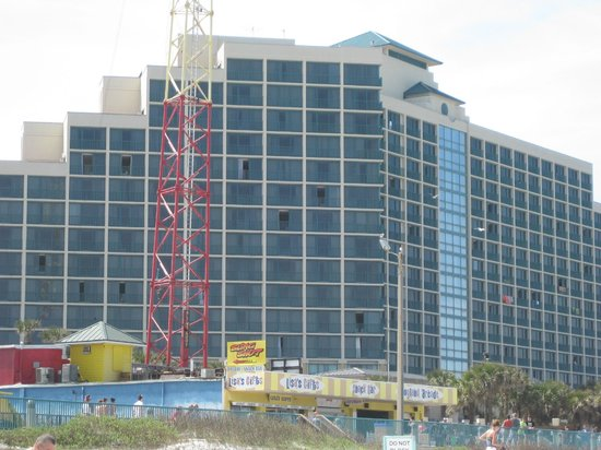 Hilton Daytona Beach / Ocean Walk Village: Hotel