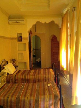 Riad Amira Victoria: room