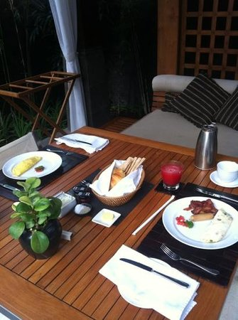 The Kayana Bali: private breakfast
