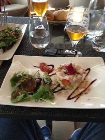 L'un des Sens: raw fish with apple yum