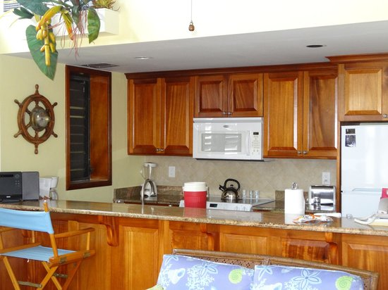 Gallows Point Resort: Kitchen in 2D, had coolers for us to use