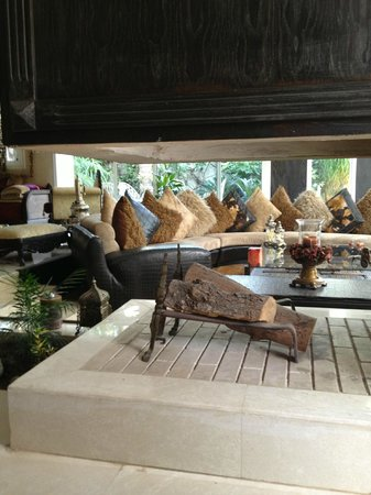 Dar Diafa: living room