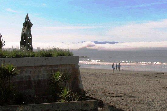 Cayucos Motel: Beach pix