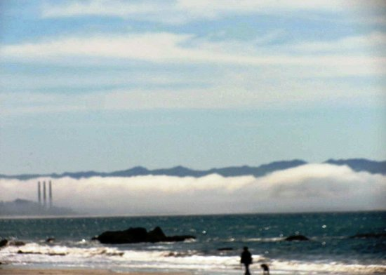 Cayucos Motel: view of Morro  Bay from OUR beach!