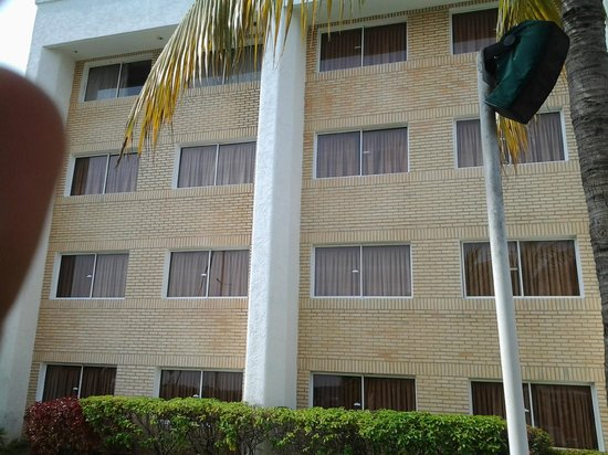 Hotel Aqua-Vi Suites & Marina : VISTA DESDE LA PISCINA AL HOTEL