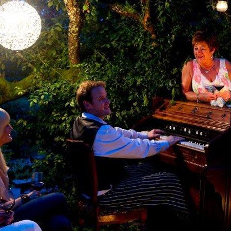 Haaheim Gaard: Musikk i hagen