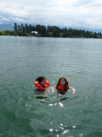 Swan Hill Bed & Breakfast: Grandkids swimming in Flathead Lake