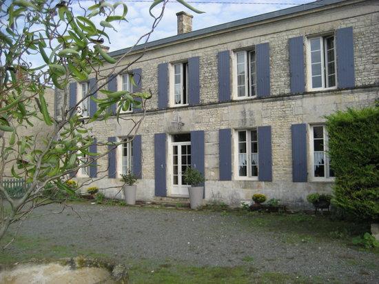 Saint-Georges-du-Bois, France : getlstd_property_photo