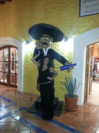 Luxury Bahia Principe Sian Ka'an Don Pablo Collection: ZONA DE TIENDAS HACIENDA DOÑA ISABEL