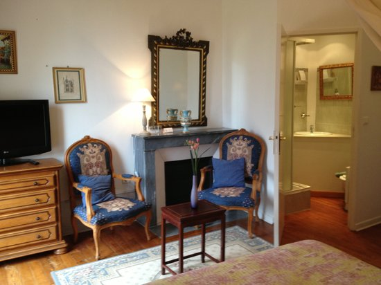 Chateau de Chesne: Room Comtesse