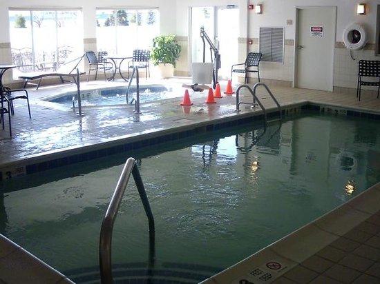 هيلتون جاردن إن ريفرهيد: Miox pool
