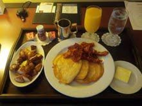 Westminster Hotel: Pancakes room service