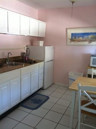 Sands of Islamorada: kitchen all amenities needed
