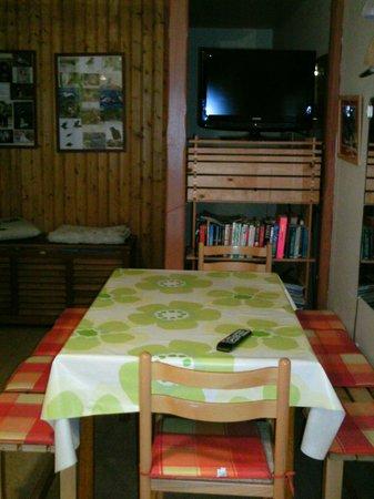Hreidrid Guesthouse: living room