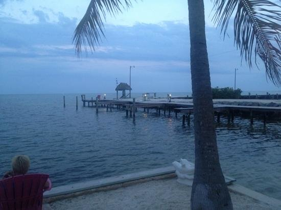 Sands of Islamorada Hotel: wow!!! the pier walk and boat docks