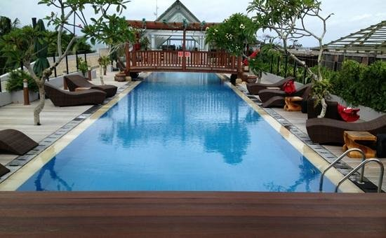 Sing Ken Ken Lifestyle Boutique Hotel: roof top pool