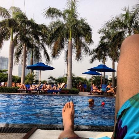 Chatrium Hotel Riverside Bangkok: 6th floor pool