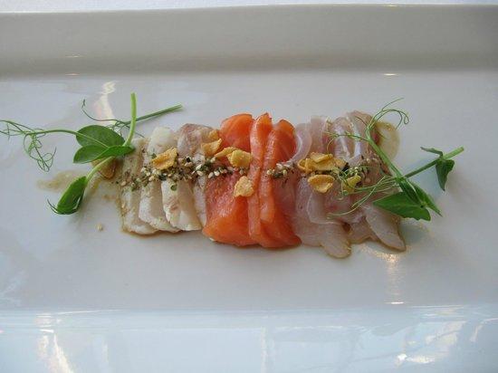 Martin Bosley's Yacht Club Restaurant: sashimi entree