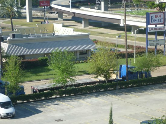 "Hilton Garden Inn Houston / Bush Intercontinental Airport: View of the ""Hot Biscuit"" Restaurant"