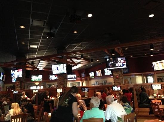 Houligan's: view of inside