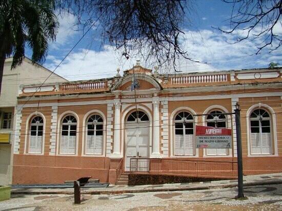 Museu Historico de Mato Grosso: Museu Histórico na Praça da República.