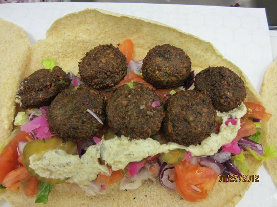 Pita Golden Pocket: falafel wrap