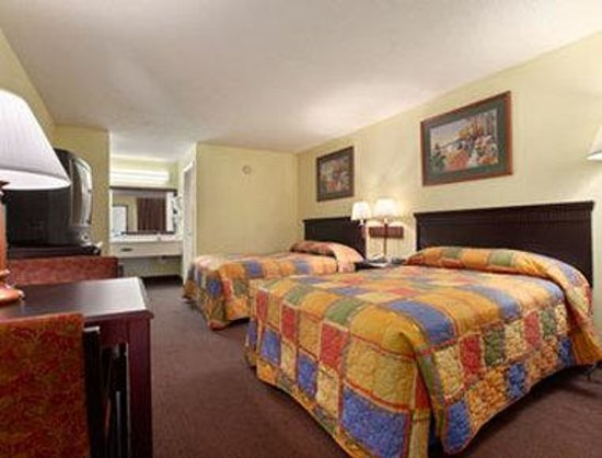 Howard Johnson Enchanted Land Hotel Kissimmee FL : Standard Two Double Bed Room