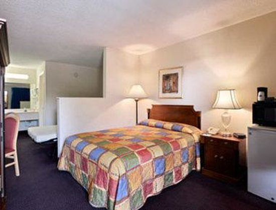 Howard Johnson Enchanted Land Hotel Kissimmee FL : Junior Suite