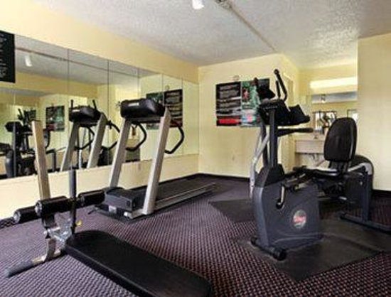 Howard Johnson Enchanted Land Hotel Kissimmee FL : Gym/Fitness Center