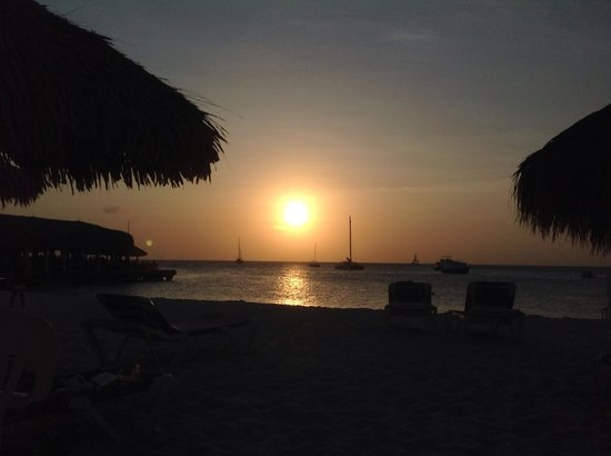 Hilton Aruba Caribbean Resort & Casino: Sunset at the Radisson 2013
