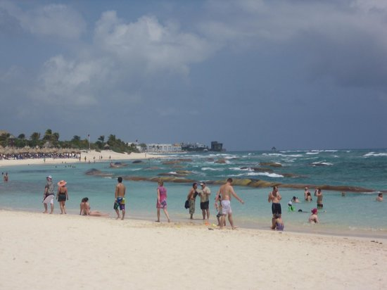 Luxury Bahia Principe Sian Ka'an Don Pablo Collection : Tulum beach area - lots of sand whales
